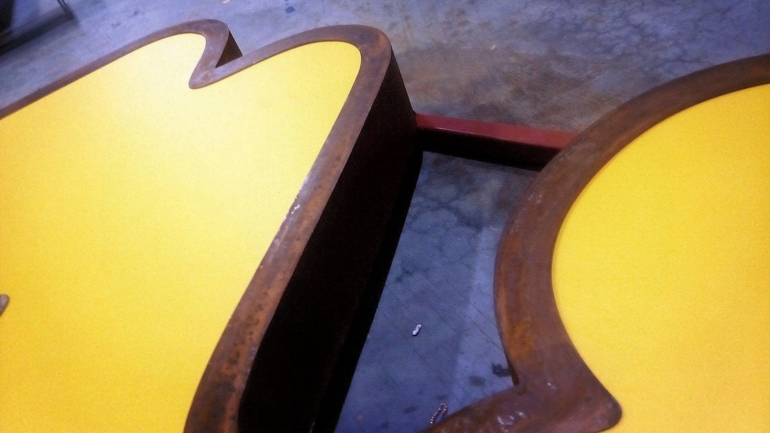 Фабрика игрушек «МЯКИШИ» #Брендирование фасада #Наружные вывески #Объемные буквы #Таблички #МЯКИШИ #Дизайн #Изготовление #Монтаж